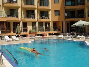 Amadeus 1 - one bedroom apartment - direct access to the swimming pool
