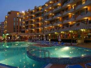 A studio aparmtent with pool view - located in a apart hotel in Sunny Beach